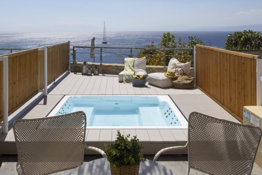 junior-suite-with-infinity-pool-9