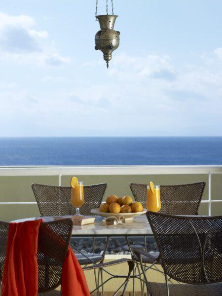 Room Balcony2